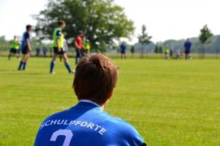 Bild: Schüler der Landesschule Pforta beim Fußballspiel